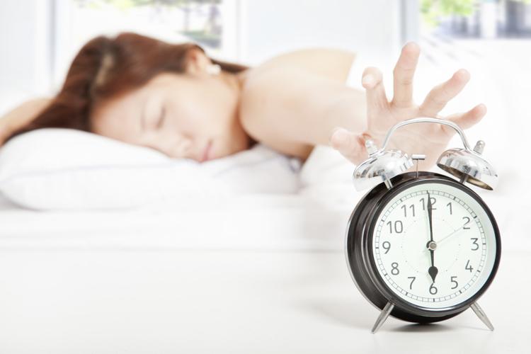 Өглөө босохдоо түүртдэг 5 шалтгаан ба түүнийг засах 5 арга