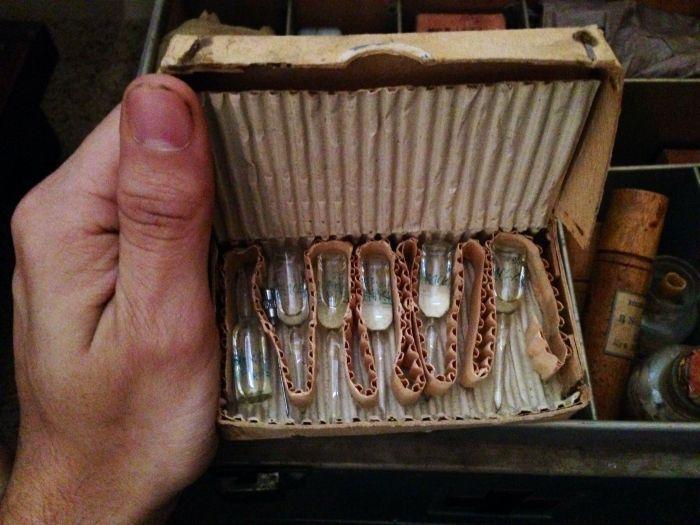 Дэлхийн II-р дайны үеийн япон эмчийн хайрцаг