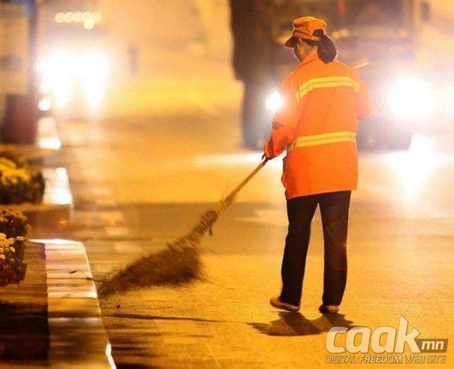 Цэвэрлэгээ хийдэг Хятадын саятан