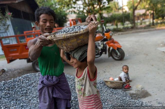 Мьянмар дахь хүүхдийн хүнд хүчир хөдөлмөр