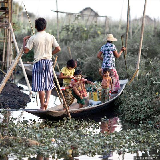 Мьянмарын усан дээрхи амьдрал