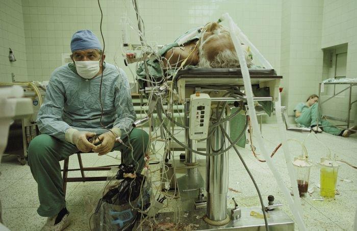 Зүрхийг нь атгасан үхлээс өвчтөнөө аварсан эмч